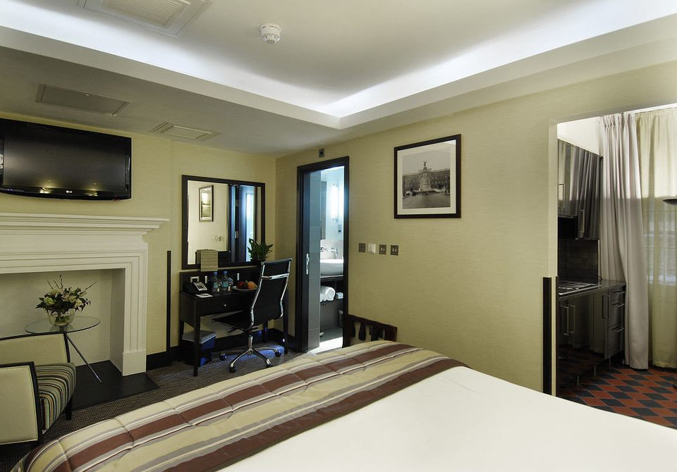 property Bedroom condominium Suite home living room mansion cottage flat