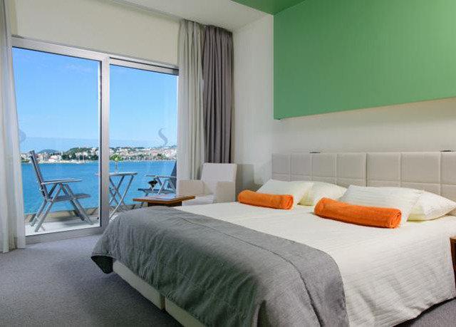 property Bedroom scene Suite condominium cottage orange