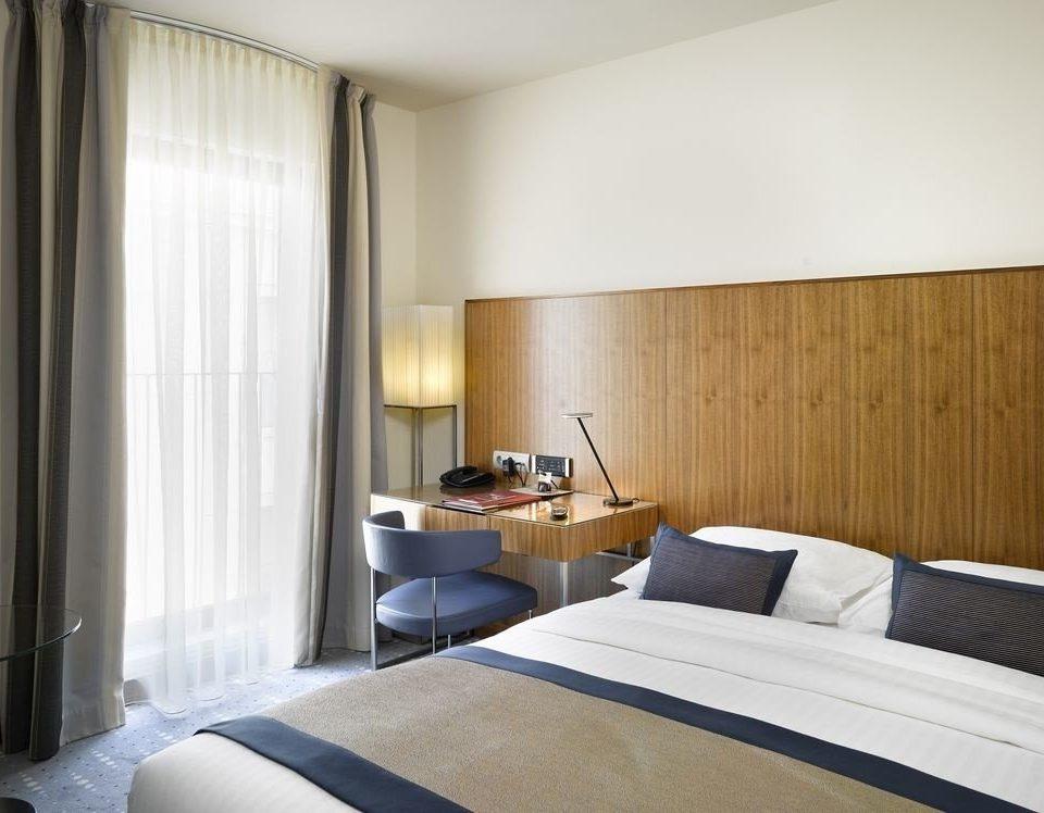 Bedroom property curtain Suite condominium cottage
