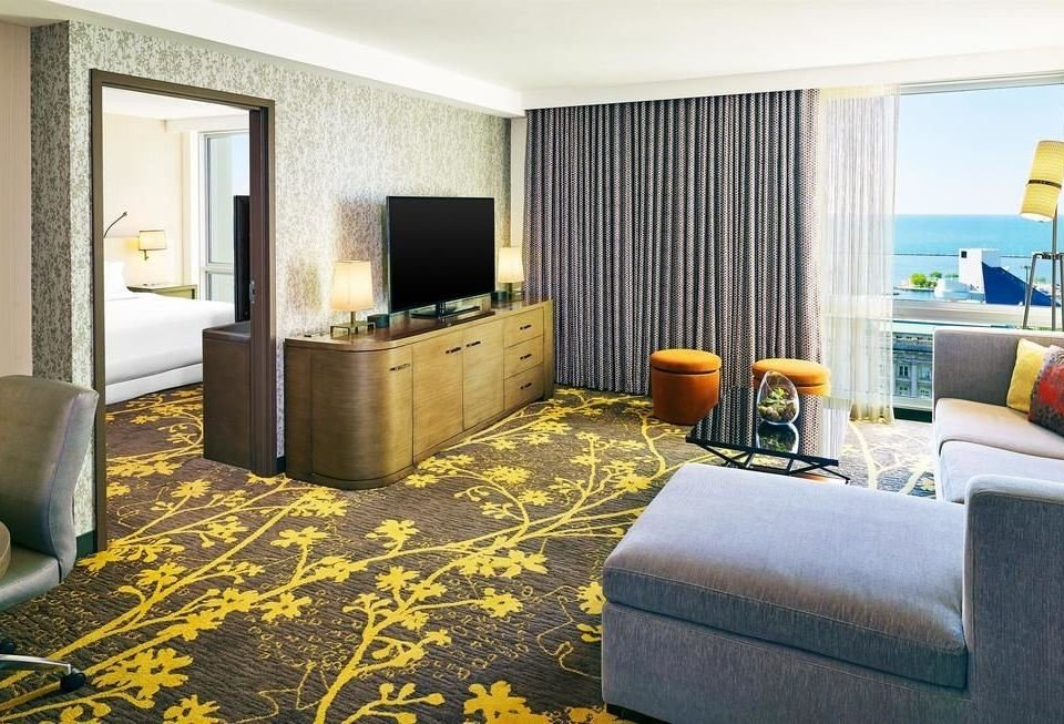 sofa property living room Suite home cottage condominium Bedroom