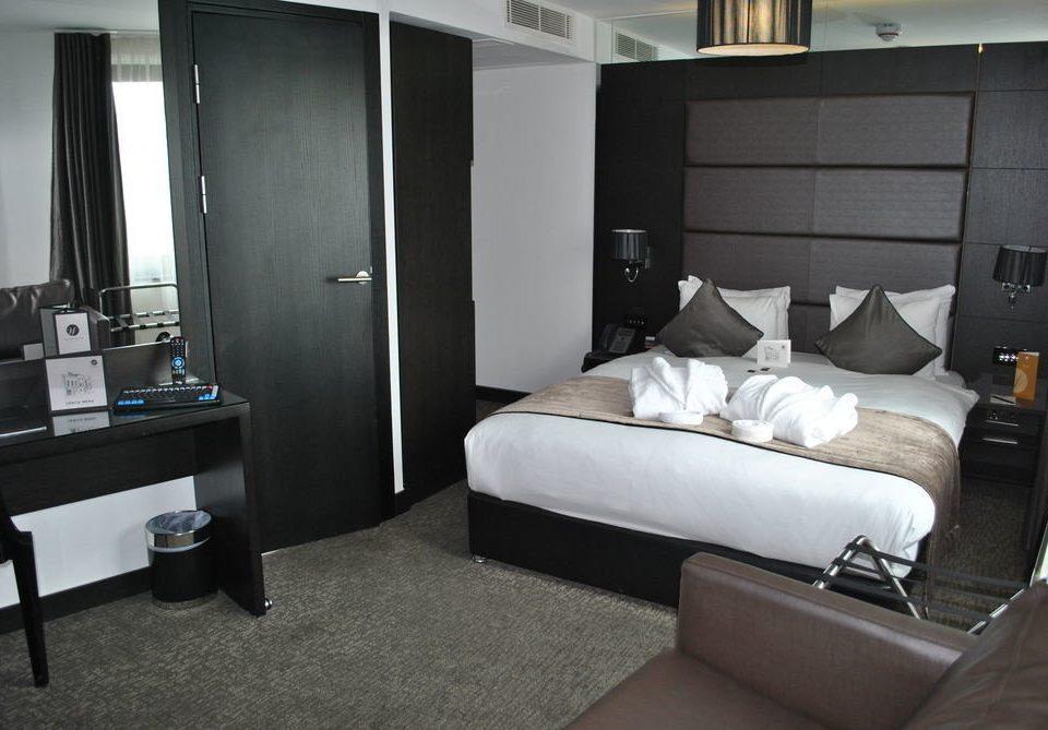 property home Suite living room condominium vehicle cottage Bedroom