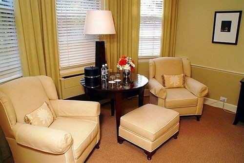 property living room curtain Suite waiting room condominium cottage Bedroom