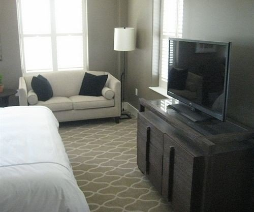 property living room home white cottage condominium Suite Bedroom