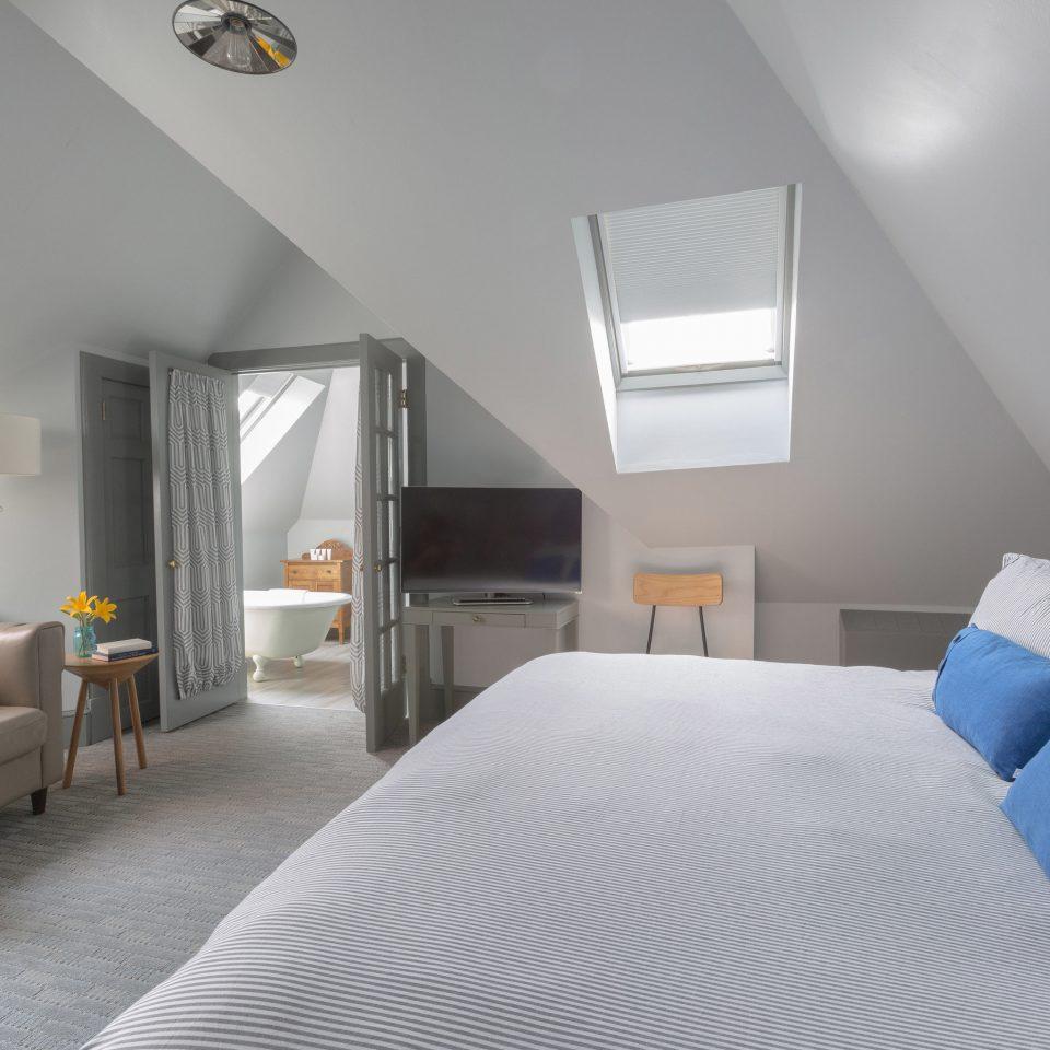 property Bedroom Suite living room condominium cottage