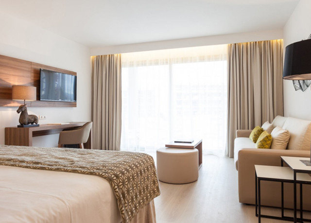 sofa property Bedroom Suite cottage living room condominium flat