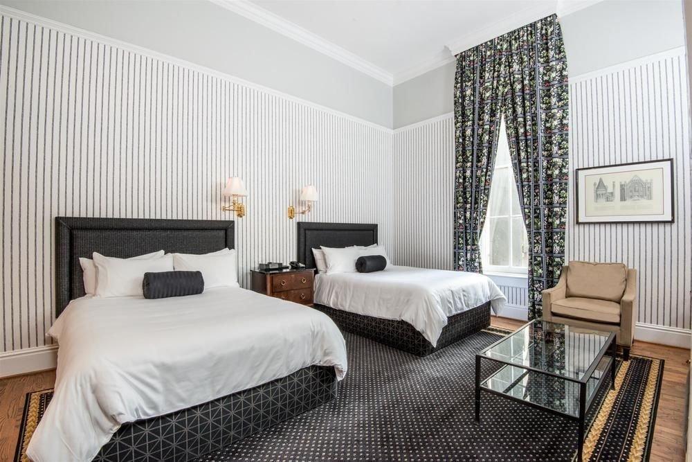 Bedroom property Suite living room home cottage condominium