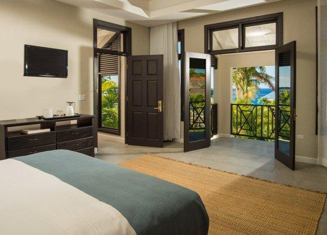 property home condominium hardwood Bedroom living room cottage Suite