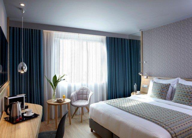property Suite Bedroom curtain condominium cottage flat