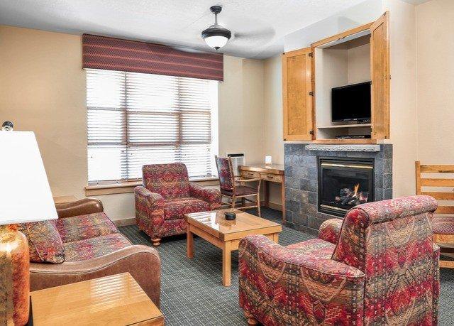 living room property Suite home cottage condominium Bedroom