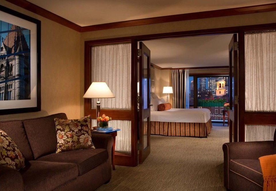 sofa property living room Suite home hardwood cottage condominium Bedroom lamp