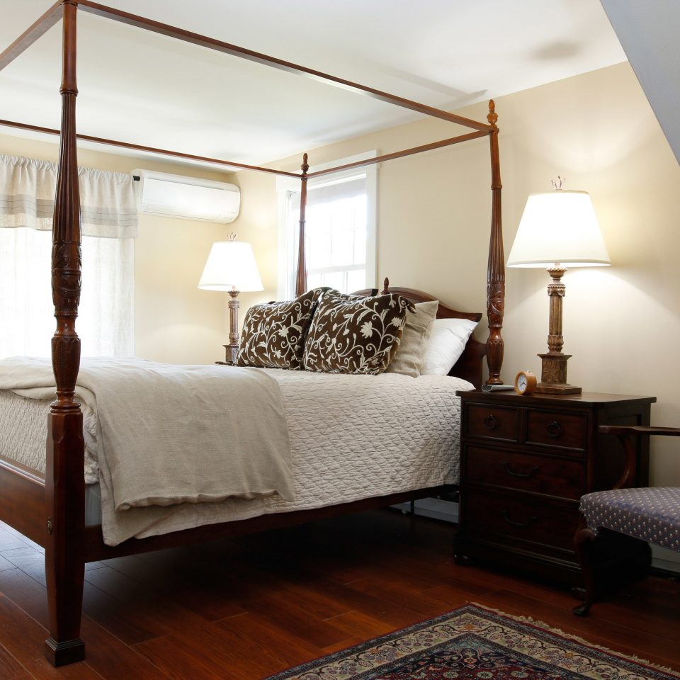 Bedroom property Suite living room home cottage condominium