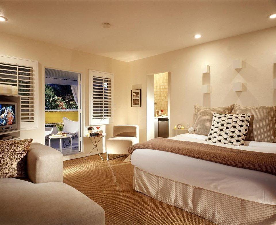 sofa Bedroom property living room Suite home hardwood condominium cottage