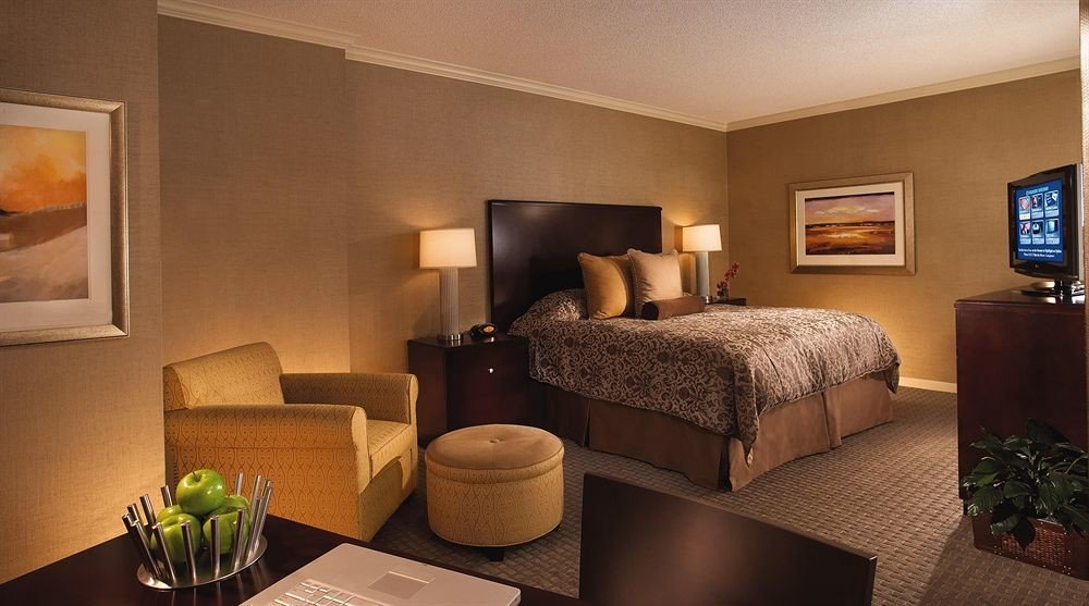 property Suite living room home cottage condominium Bedroom