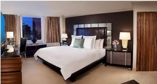 property Bedroom Suite condominium hardwood cottage flat
