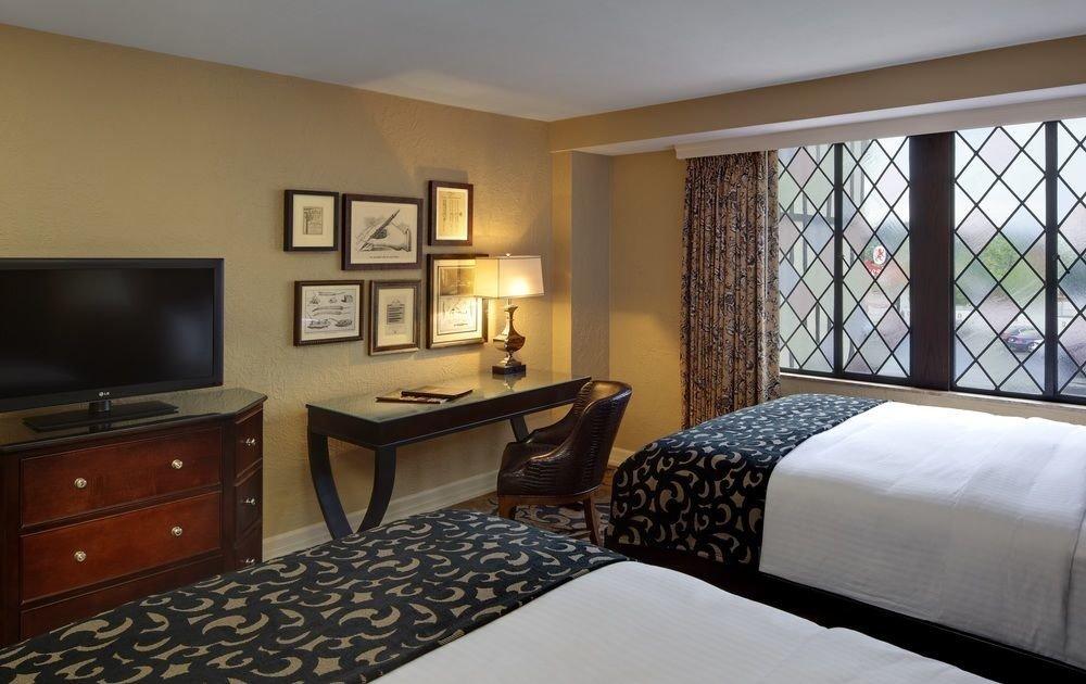 Bedroom property Suite cottage home pillow condominium flat