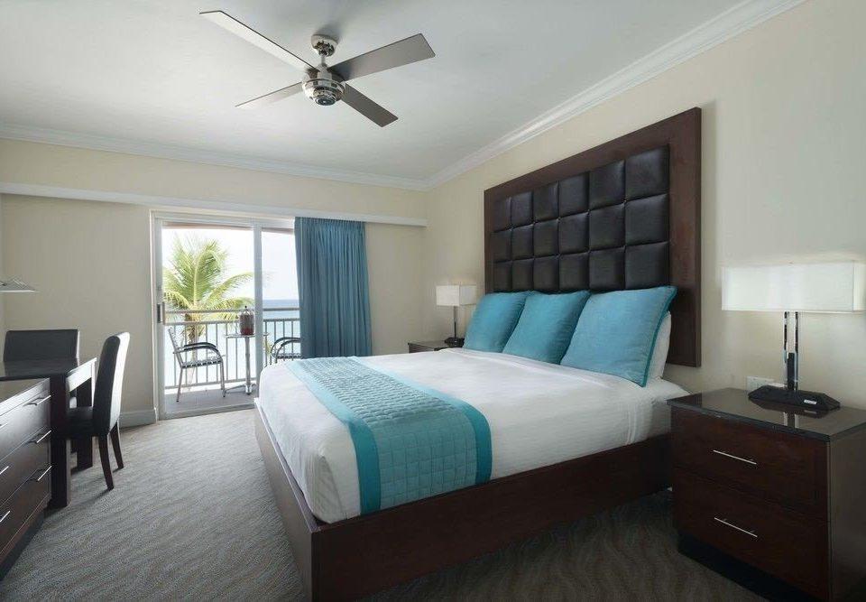 Bedroom property cottage living room condominium home Suite lamp