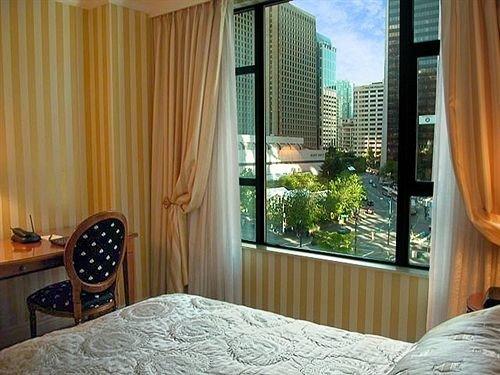 curtain Bedroom property condominium home Suite cottage