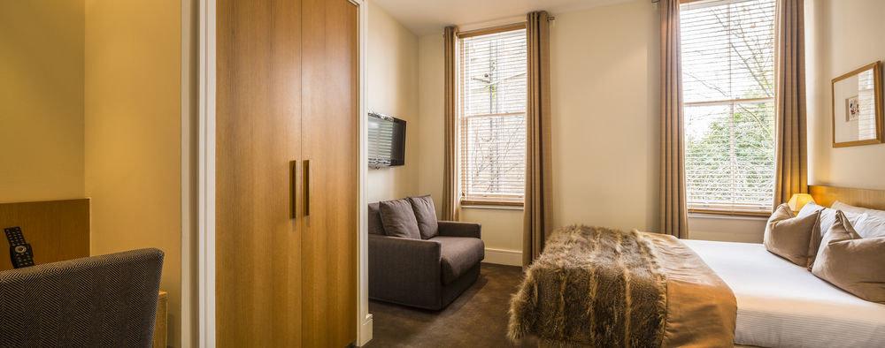 property Suite home Bedroom cottage living room condominium