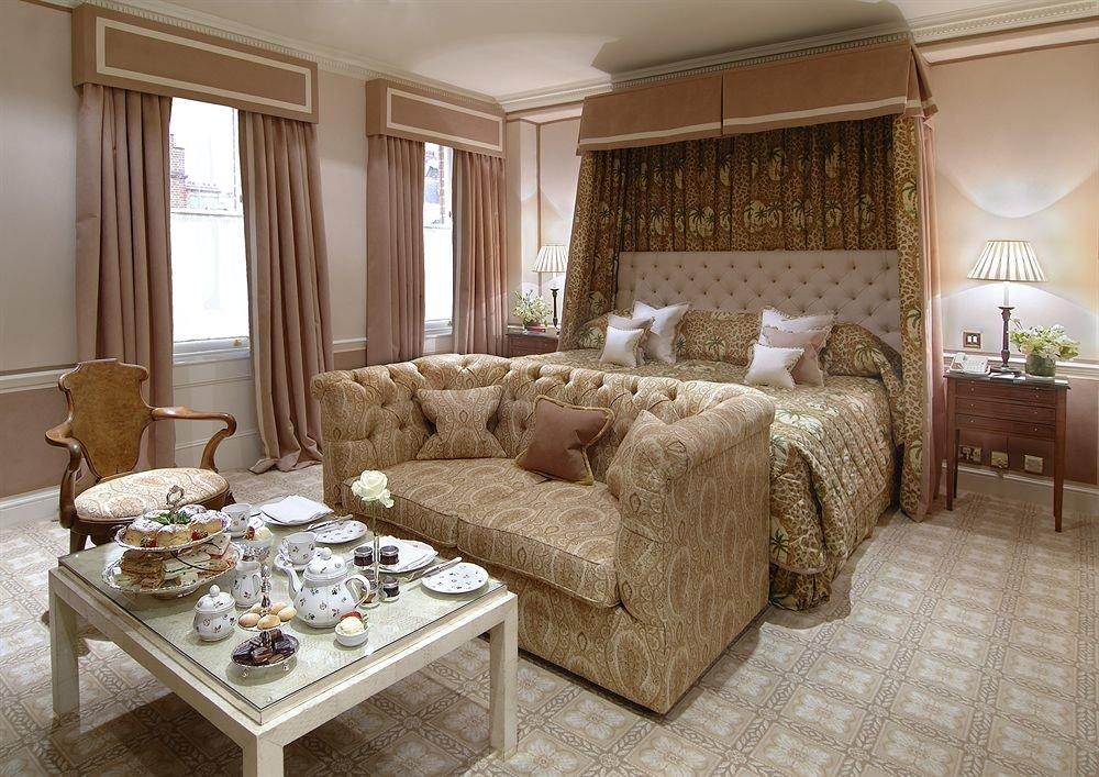 property living room Suite Bedroom home cottage condominium mansion farmhouse