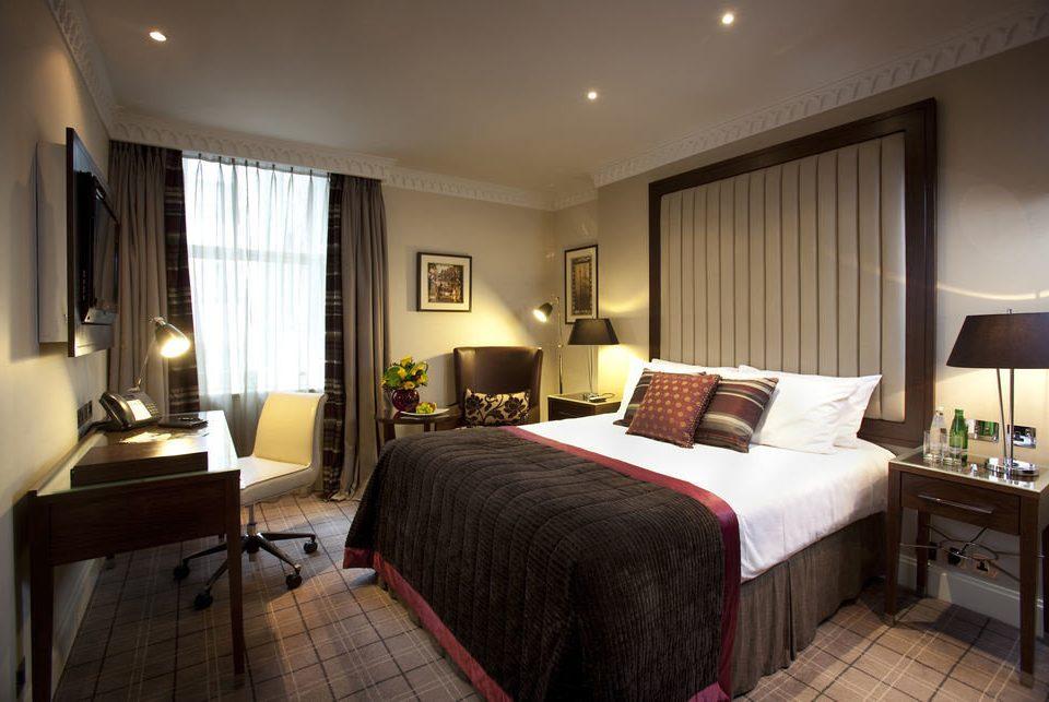 Bedroom property Suite nice cottage condominium double flat lamp