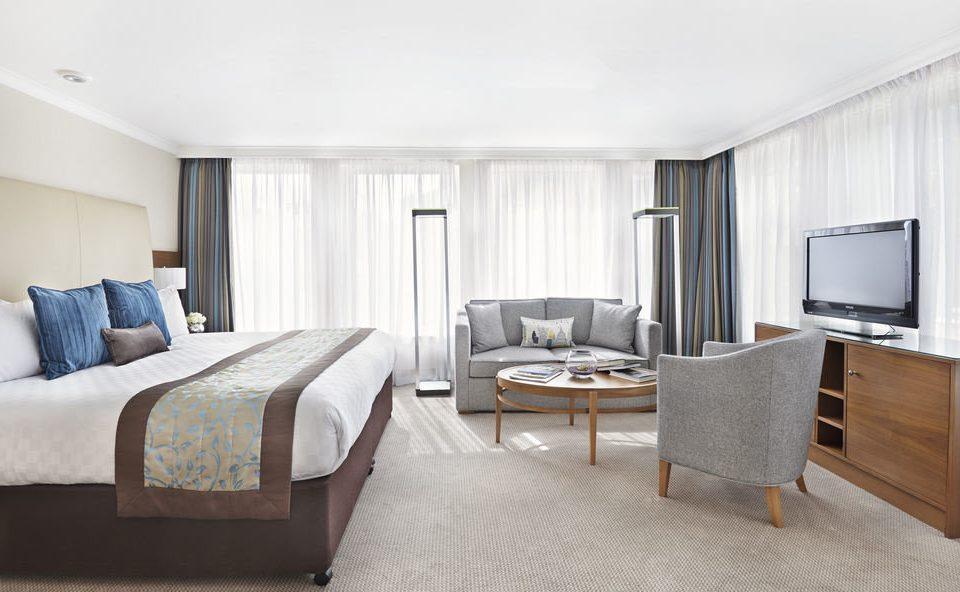 sofa Bedroom property Suite cottage home living room condominium