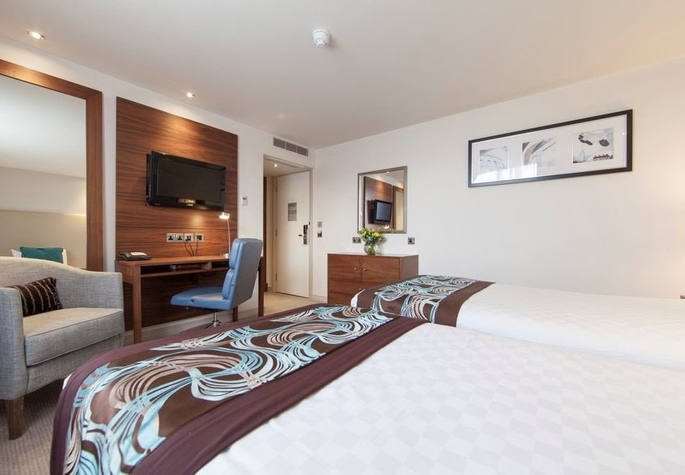 property Bedroom Suite hardwood cottage condominium
