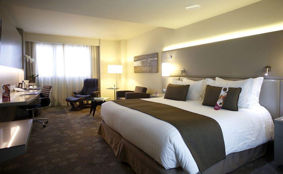 Bedroom sofa property desk Suite cottage condominium lamp