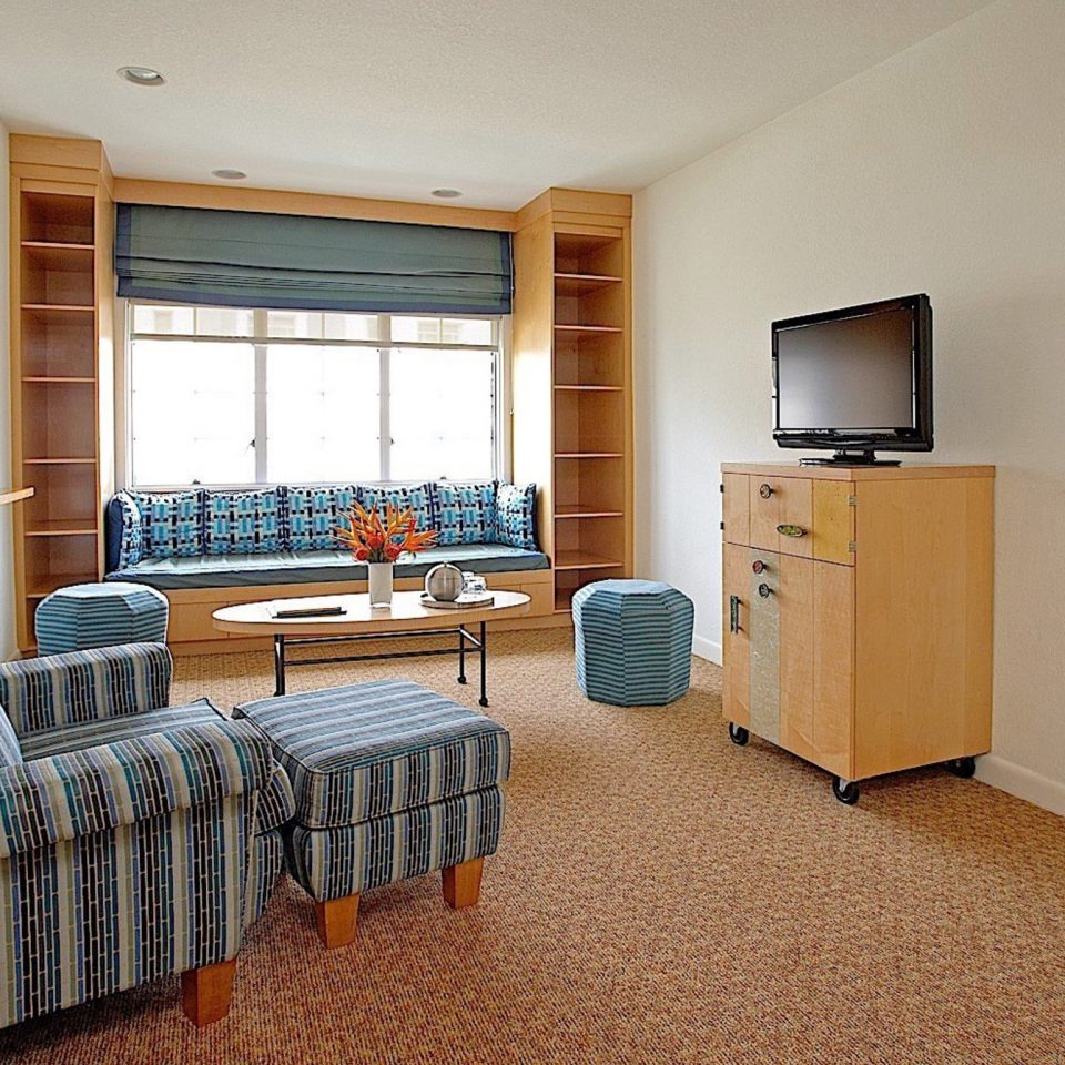 sofa property home living room hardwood cottage Bedroom condominium Suite