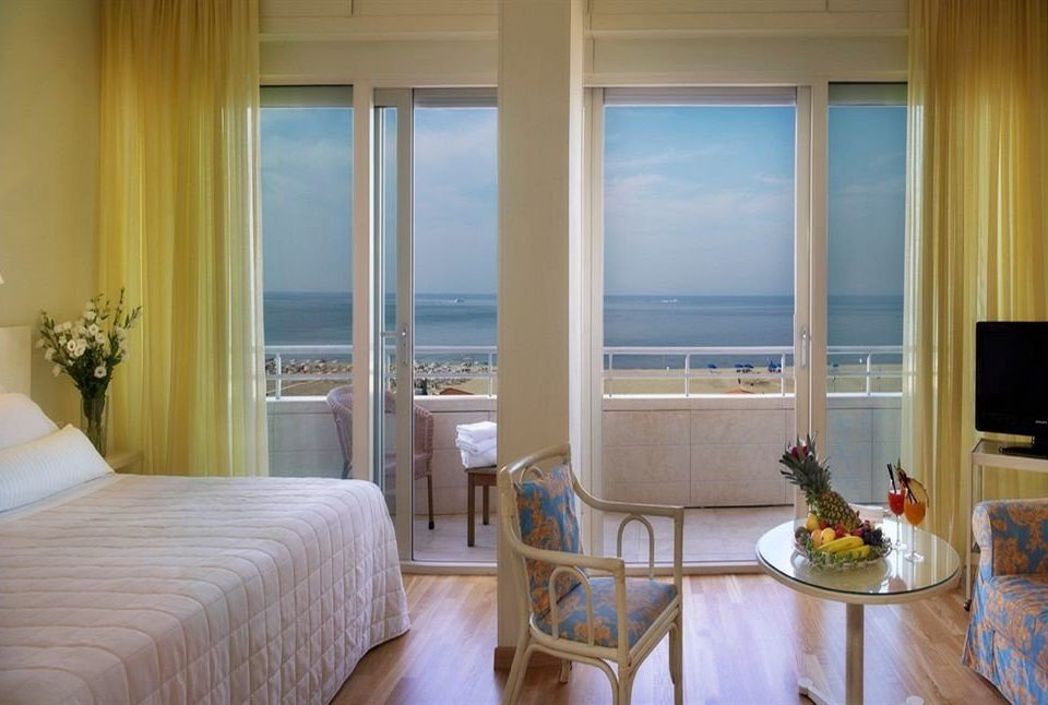 property Bedroom home Suite cottage living room condominium