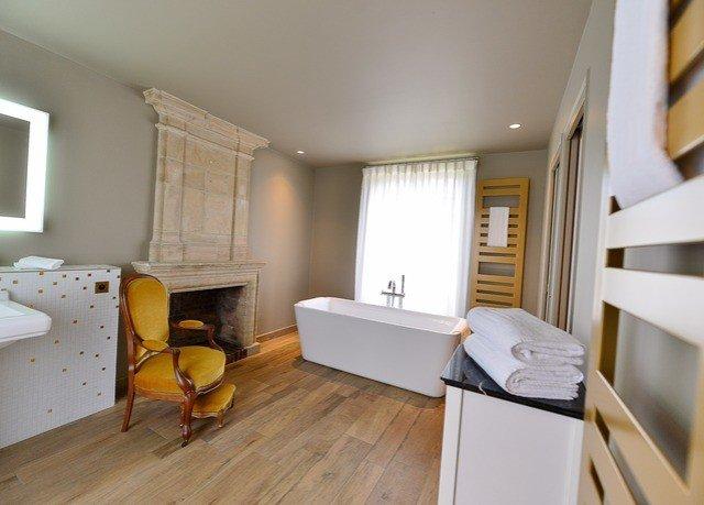 property home hardwood cottage living room Suite condominium hard Bedroom