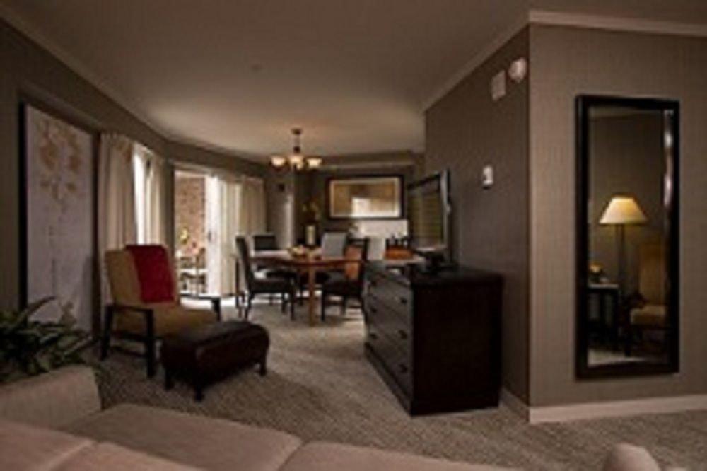 property living room Suite hardwood condominium cottage Bedroom