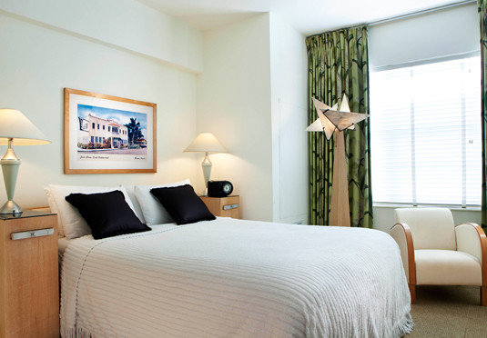 Bedroom property Suite home living room condominium cottage