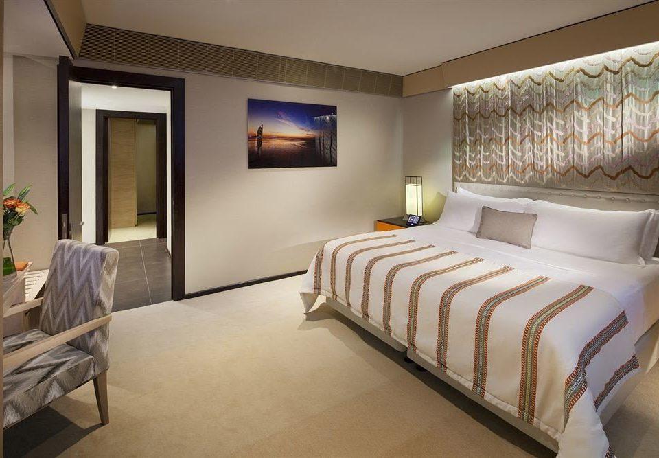 property Bedroom Suite scene condominium living room cottage