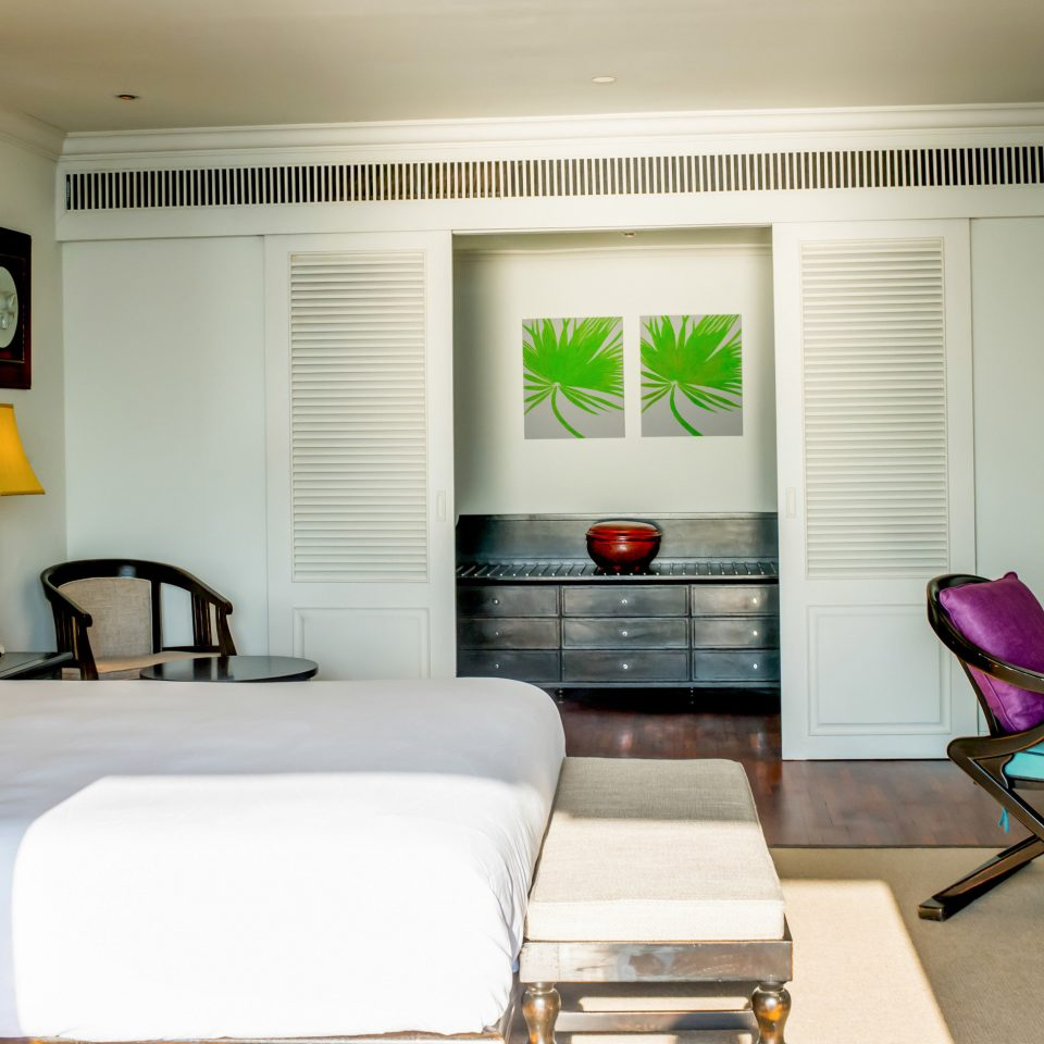 sofa property living room home condominium Suite Bedroom cottage flat