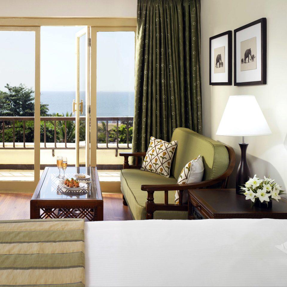 sofa property living room home Suite white condominium nice cottage Bedroom