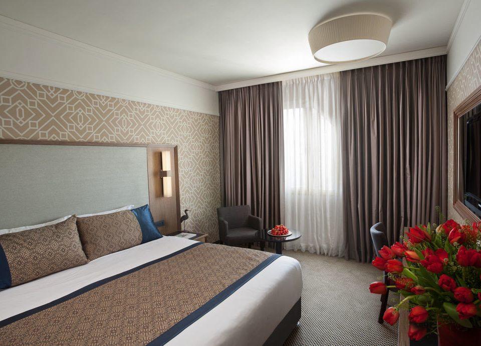 sofa property Suite condominium Bedroom cottage flat