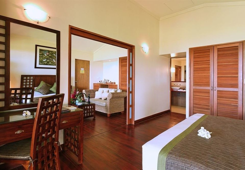 property Suite condominium home hardwood cottage living room Bedroom