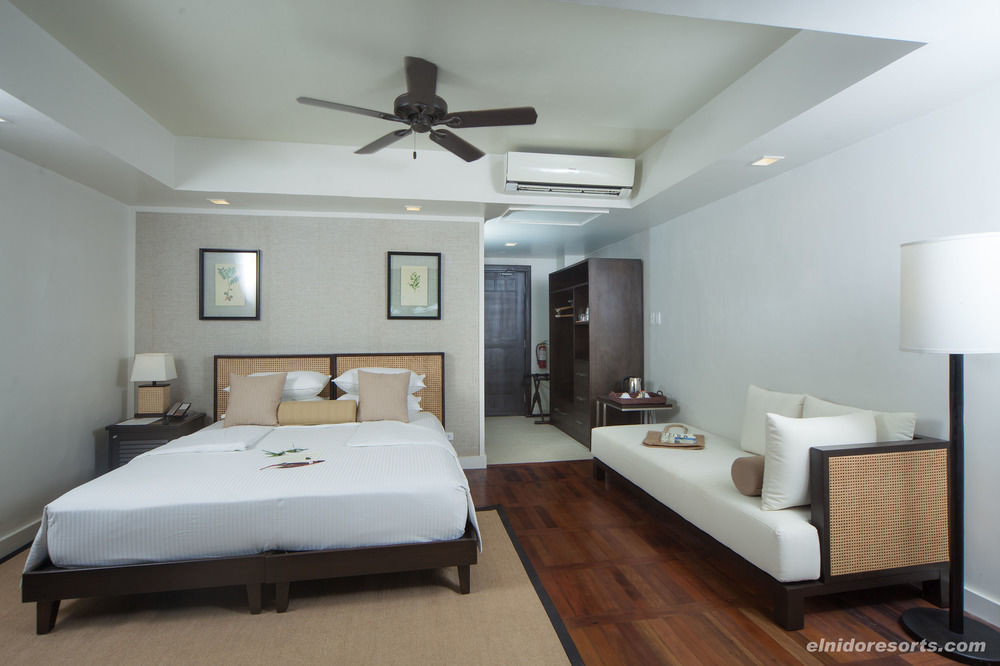 property Bedroom cottage living room Suite condominium