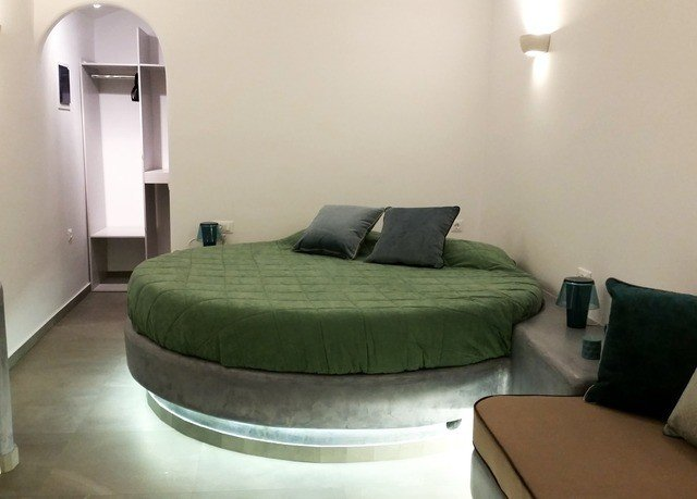 green property Bedroom cottage living room Suite condominium