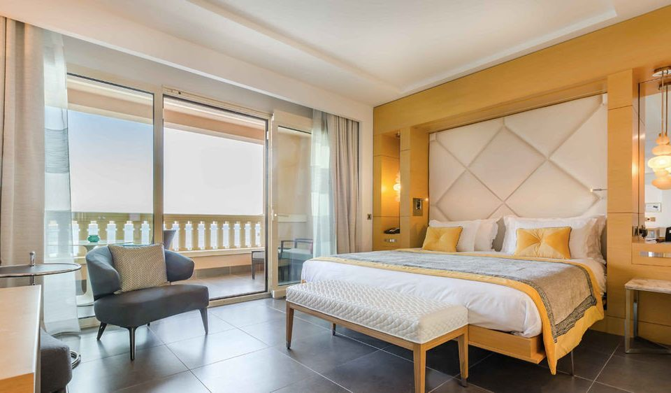 property Bedroom Suite condominium living room cottage