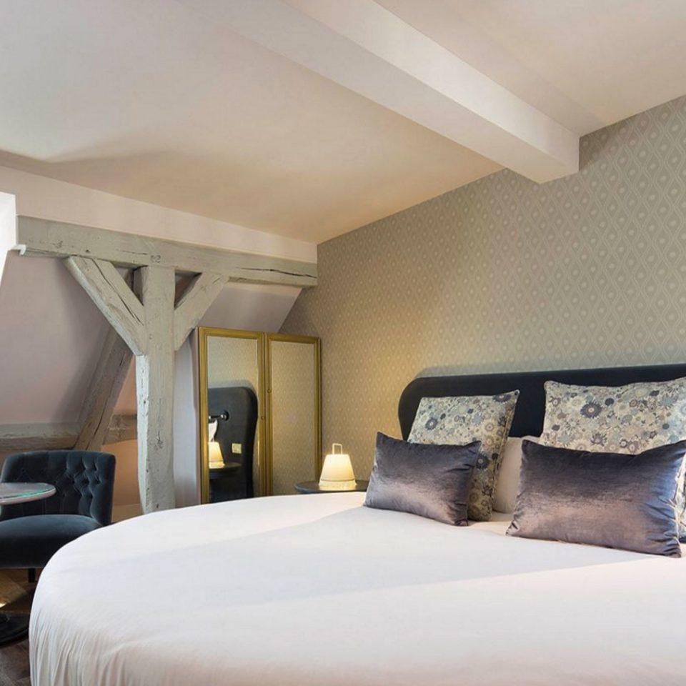 Bedroom property Suite pillow condominium living room cottage