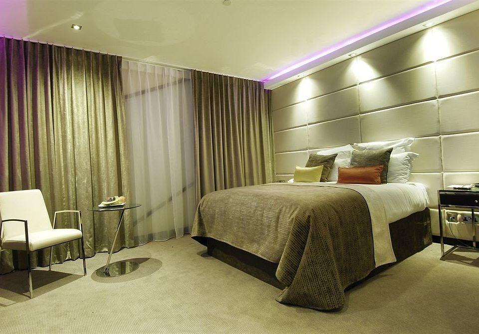 Bedroom property curtain Suite condominium living room