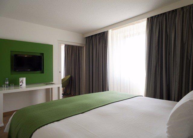 green property curtain Bedroom Suite condominium