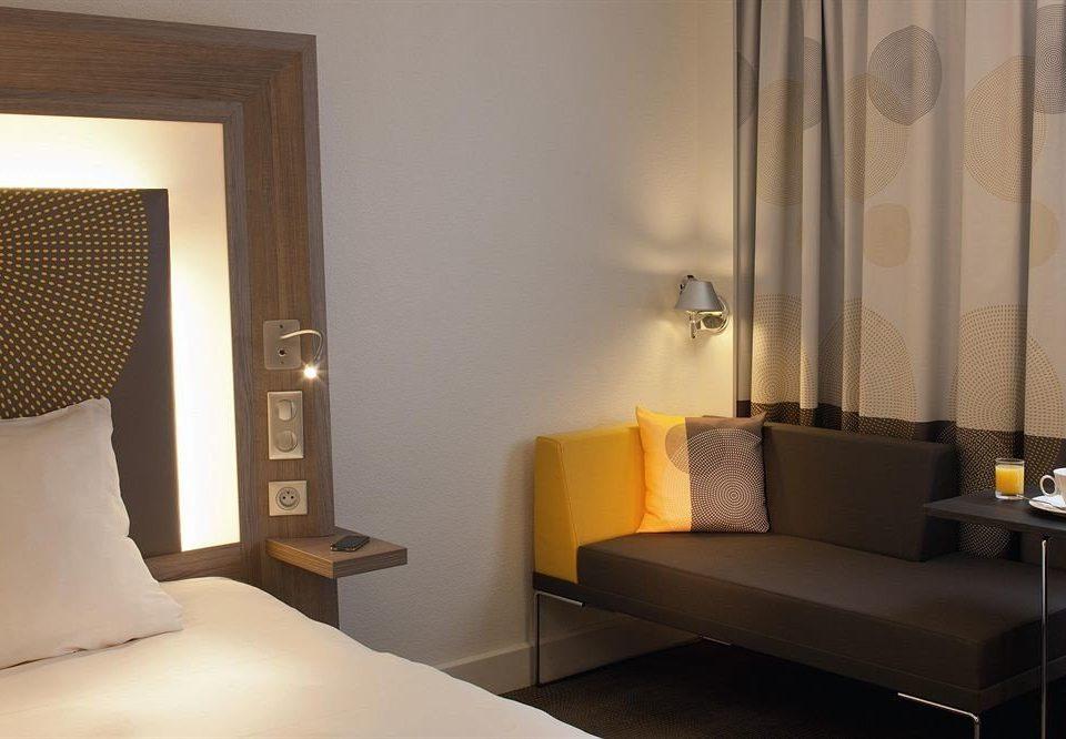 property Suite living room Bedroom curtain lighting home condominium loft