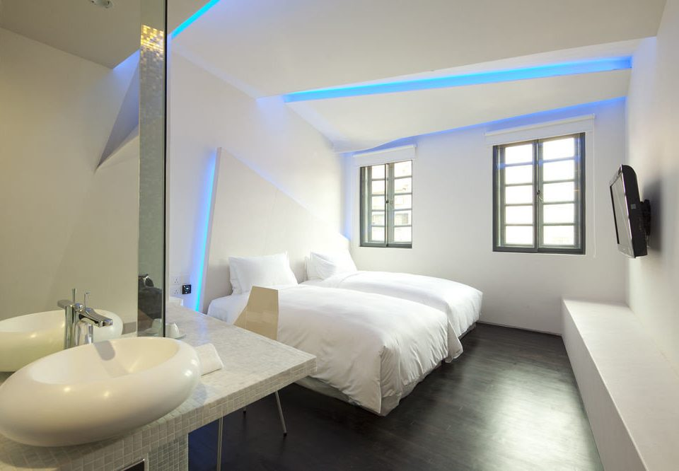 property Bedroom Suite condominium home living room daylighting