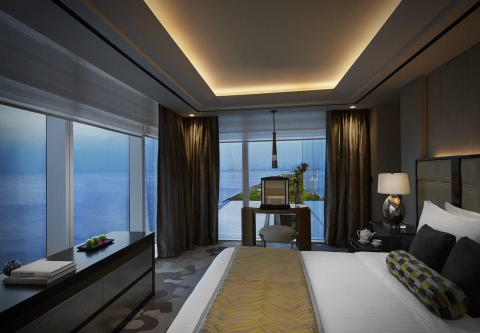 property Suite condominium Bedroom living room daylighting