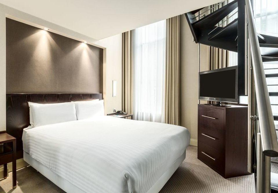 Bedroom property desk Suite condominium lamp