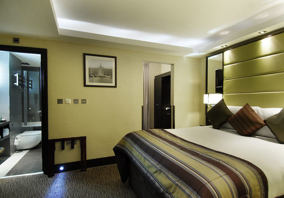 Bedroom property condominium Suite flat