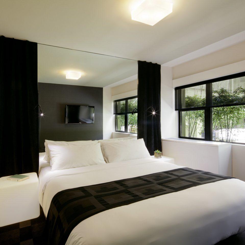 sofa Bedroom property pillow Suite condominium home living room flat