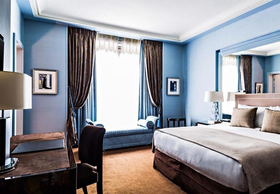 Bedroom property Suite home condominium living room flat tan